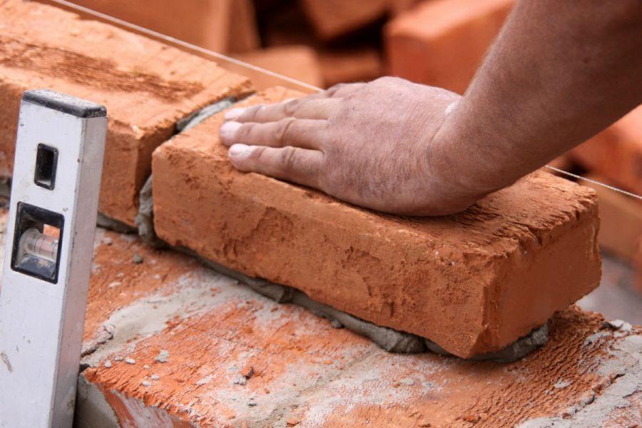 Типичные ошибки при строительстве кирпичных стен