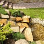 Как делают декоративные искусственные водопады в саду