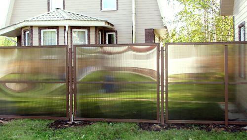 Забор из листов поликарбоната