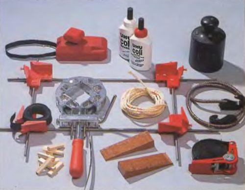 Профессиональный инструмент для качественного склеивания столярных изделий существует в большом количестве