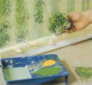 Удобной палитрой для красок является малярная ванночка