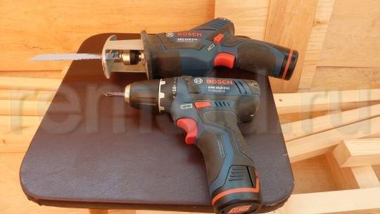 Аккумуляторный шуруповерт Bosch и сабельная пила