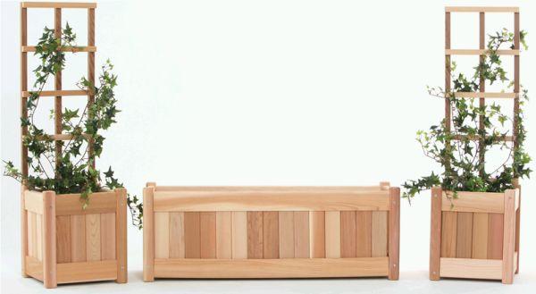 Переносной цветник, клумба с трельяжными решетками для вьющихся растений (шпалерой). Набор из нескольких элементов, можно купить в магазине