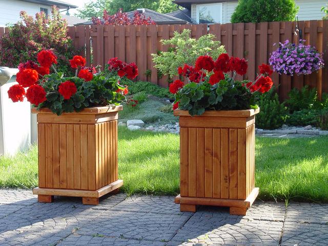 Деревянные кадки для цветов