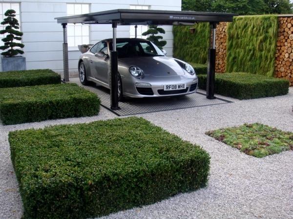 Загородный дом с подземным гаражом для машины