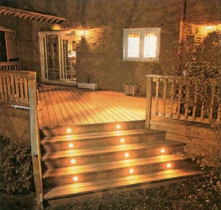 Подсветка ступеней лестницы на веранде