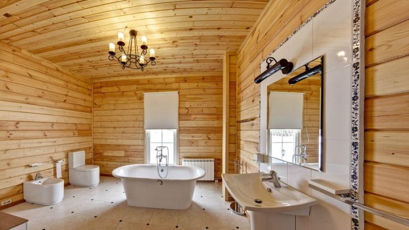 Отделка ванной комнаты в доме из клееного бруса