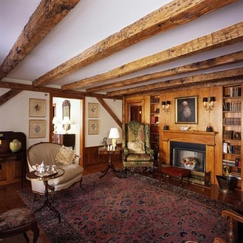 Деревянные балки перекрытия - элемент дизайна комнаты