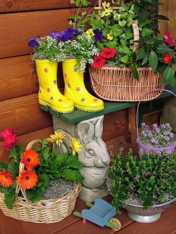 Оригинальные клумбы и контейнеры для цветов