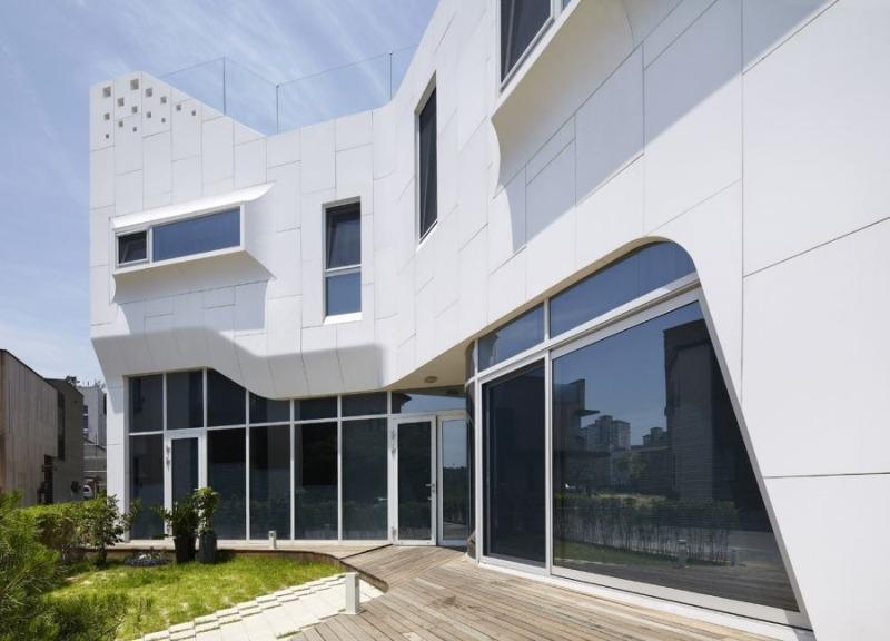 LG HI-MACS панели для облицовки фасада