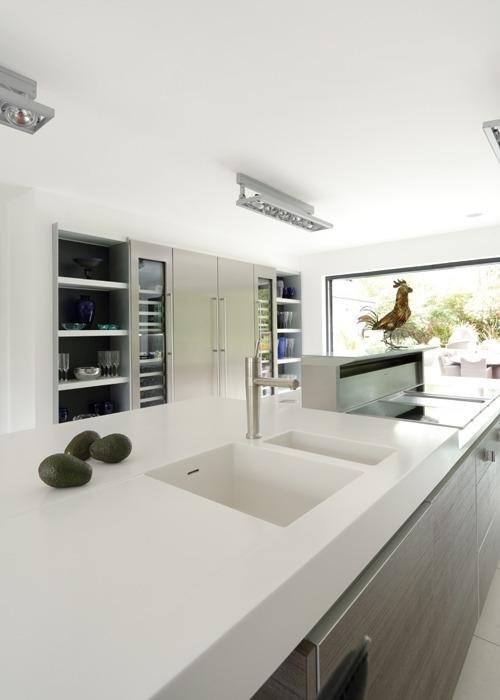 LG HI-MACS столешница в кухне
