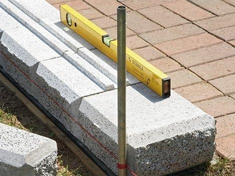 Выкладываем стенку из блоков