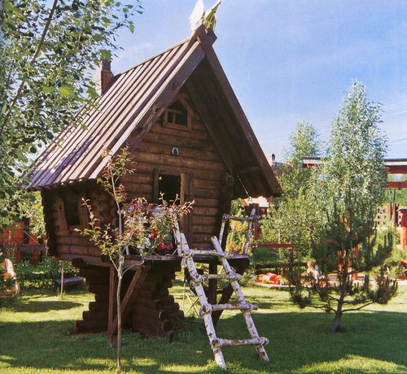 Детская площадка - домик на куринных ножках