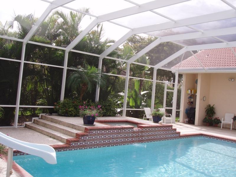 Павильон для бассейна из алюминиевого профиля WESTTOR с москитной сеткой