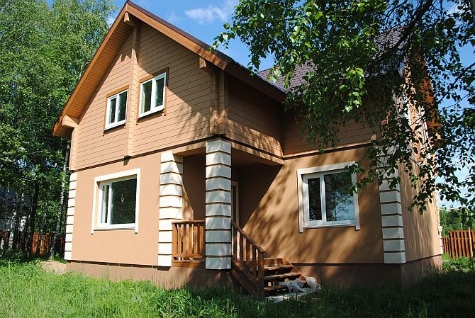 Комбинированный дом. Отделка фасада