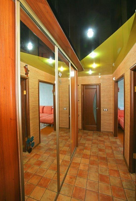 Натяжной потолок в прихожей и коридоре