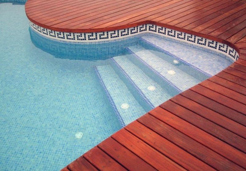 Мозаика в отделке бассейна