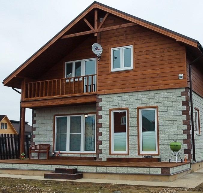 Каркасный дом облицован фасадной клинкерной плиткой