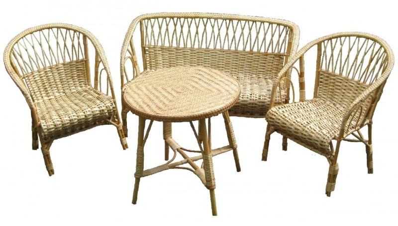 Комплект плетеной мебели из ивы