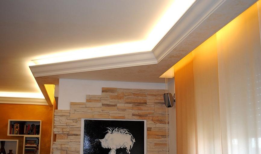 Люстры и светильники – создаем освещение в интерьере