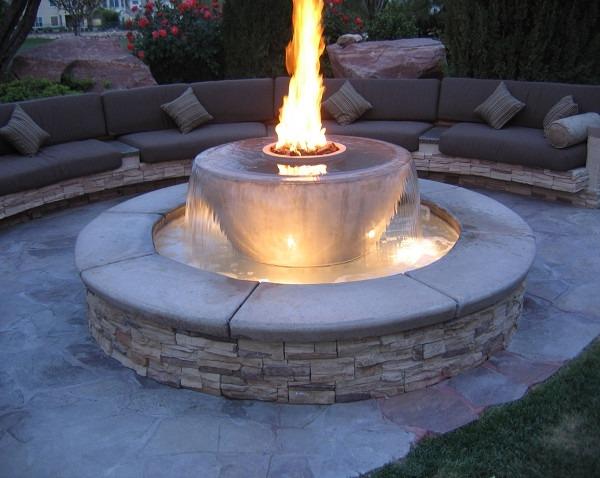 Декоративный садовый фонтан