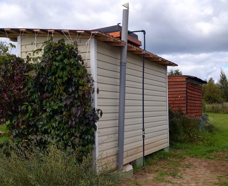 Строим уличный душ и туалет