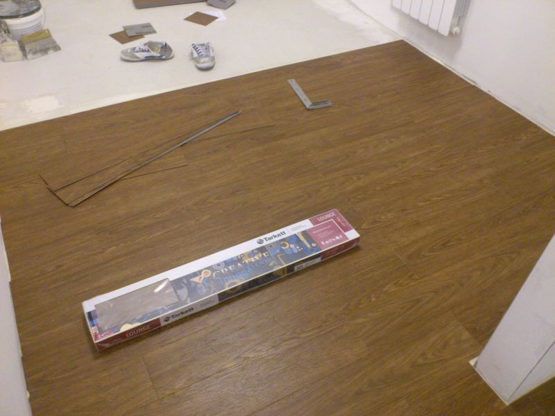Укладка напольного покрытия (ПВХ плитка)