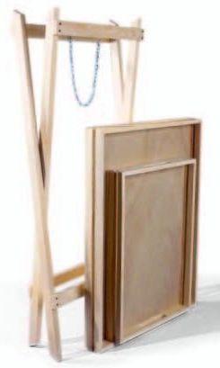 Складной деревянный столик для летней кухни