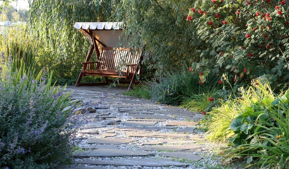 Мощение изящных садовых дорожек