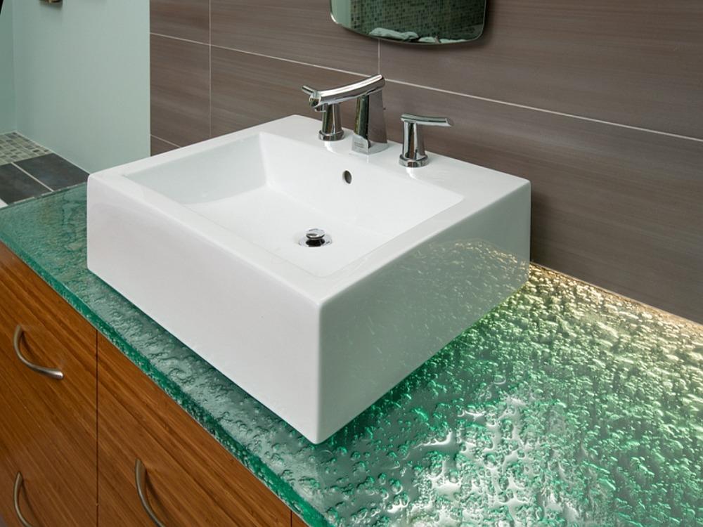 Деревянная столешница в ванную комнату 48