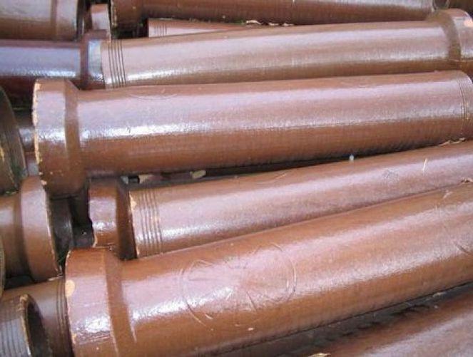 Старые керамические канализационные трубы