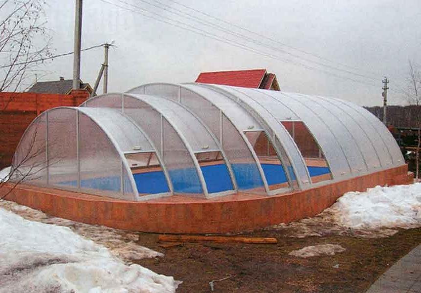 Стационарный бассейн зимой