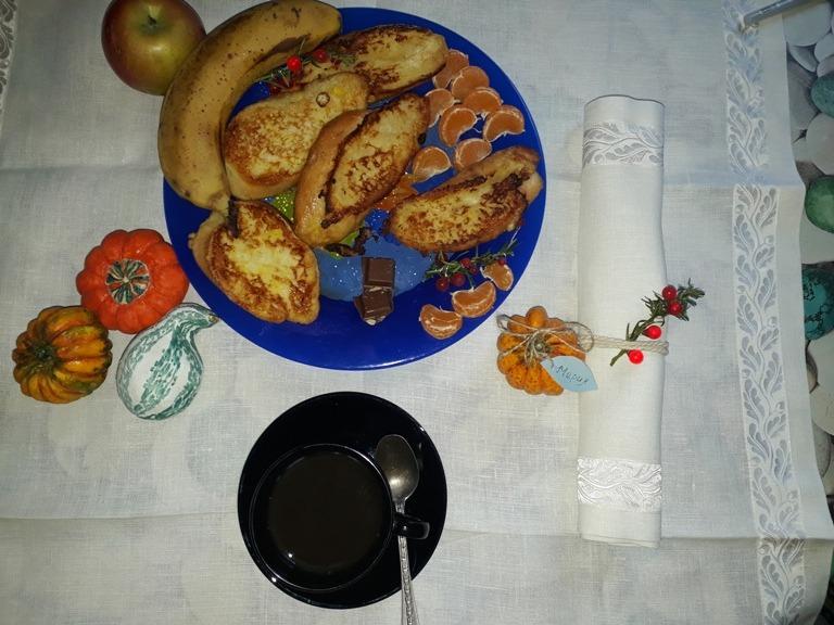 Фото 6. Интерьерные тыквы для праздничной сервировки обеденного стола