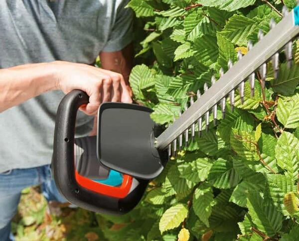 Инструмент для стрижки живой изгороди