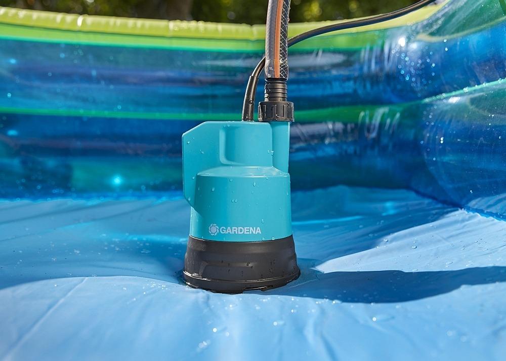 Аккумуляторный дренажный насос 2000 Li-18 для чистой воды от GARDENA