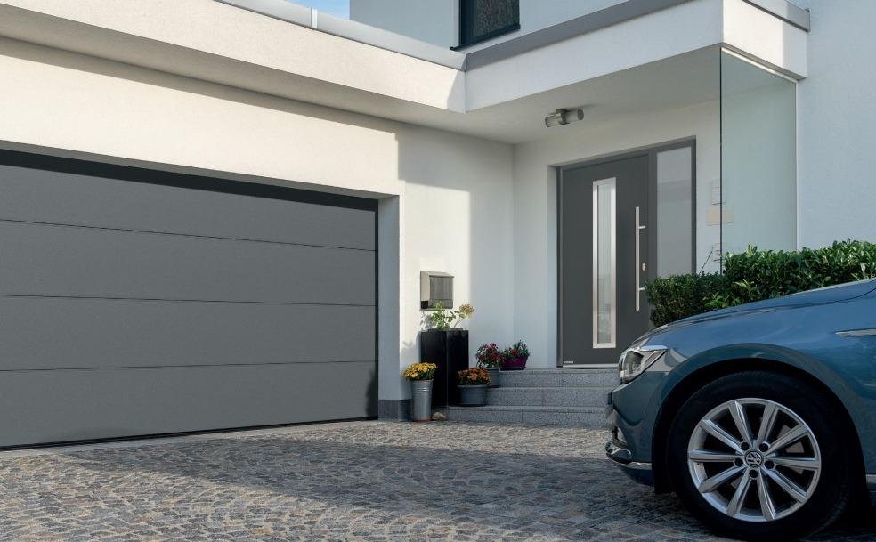 Гаражные ворота для легкового автомобиля