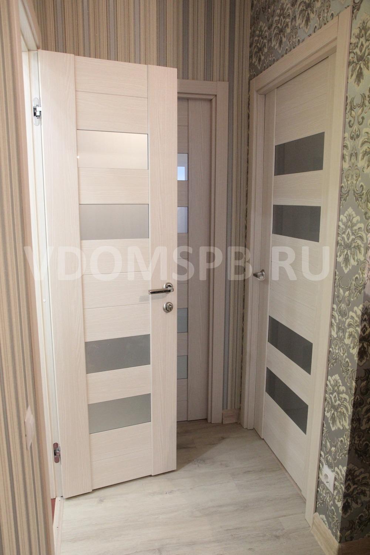 Царговые двери с горизонтальными вставками