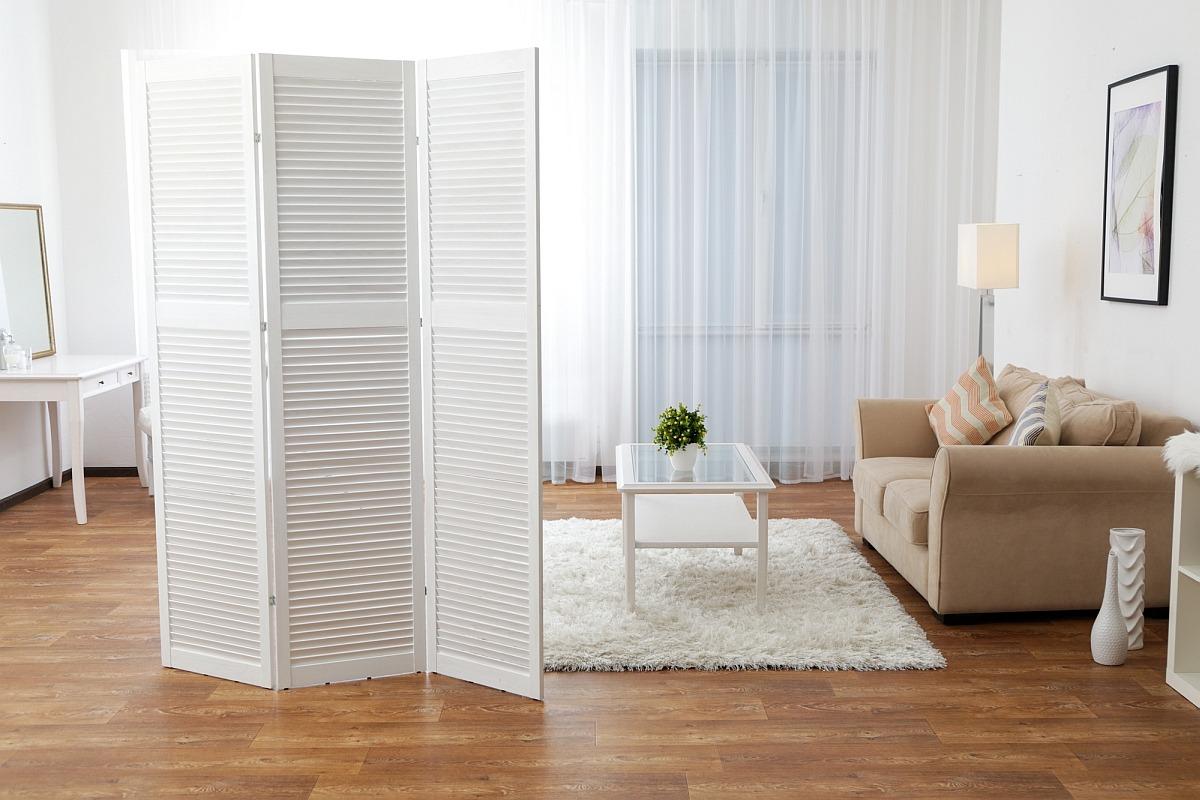 Ширма из деревянных реечных дверец