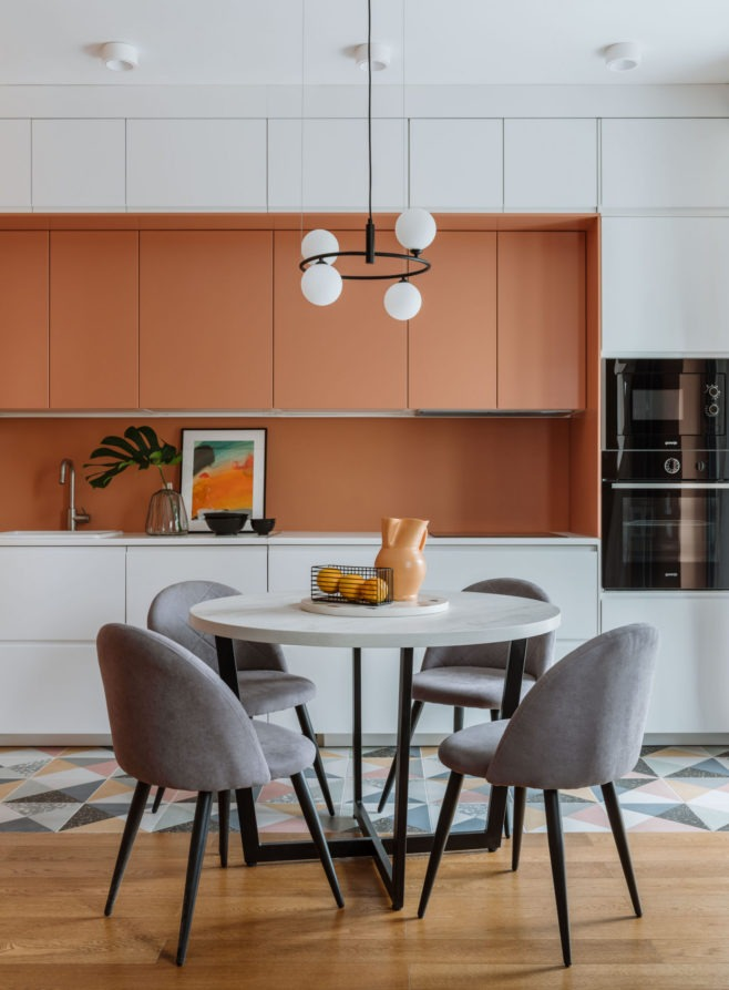 Цветные кухни в интерьере