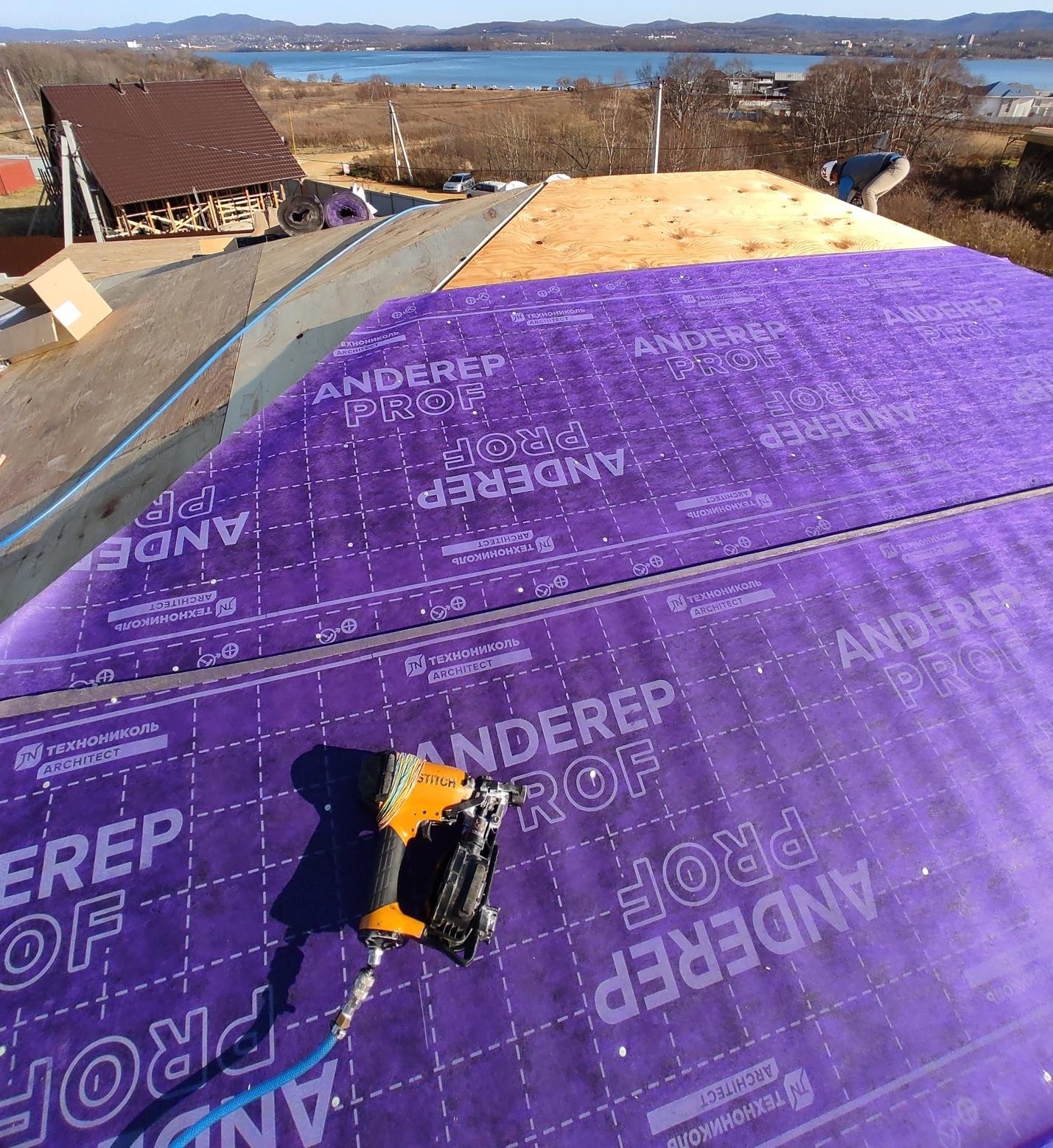 Подкладочный ковер на скатной крыше