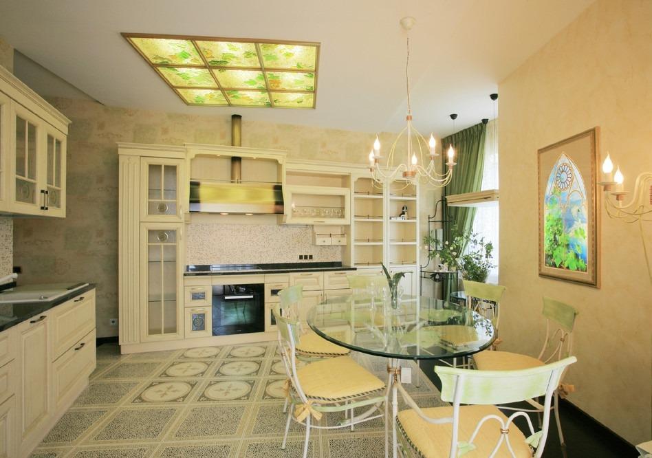 Дизайн кухни - стекло